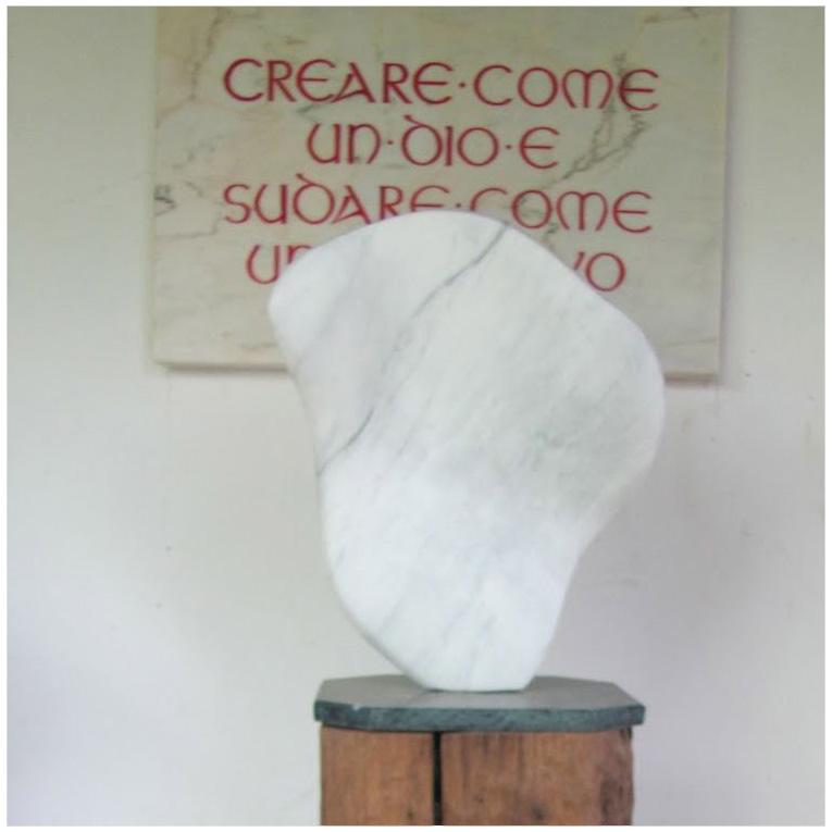 """Flügel"" Carrara-Marmor 2011 - Privatbesitz"