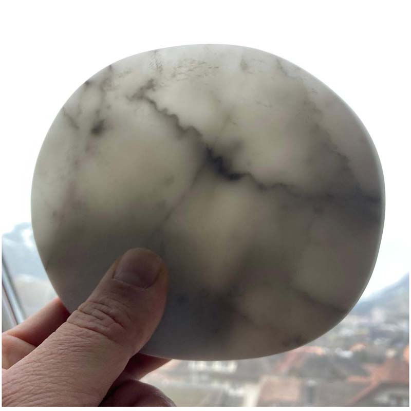"""Tautropfen"" Carrara Marmor 2021 - Privatbesitz"